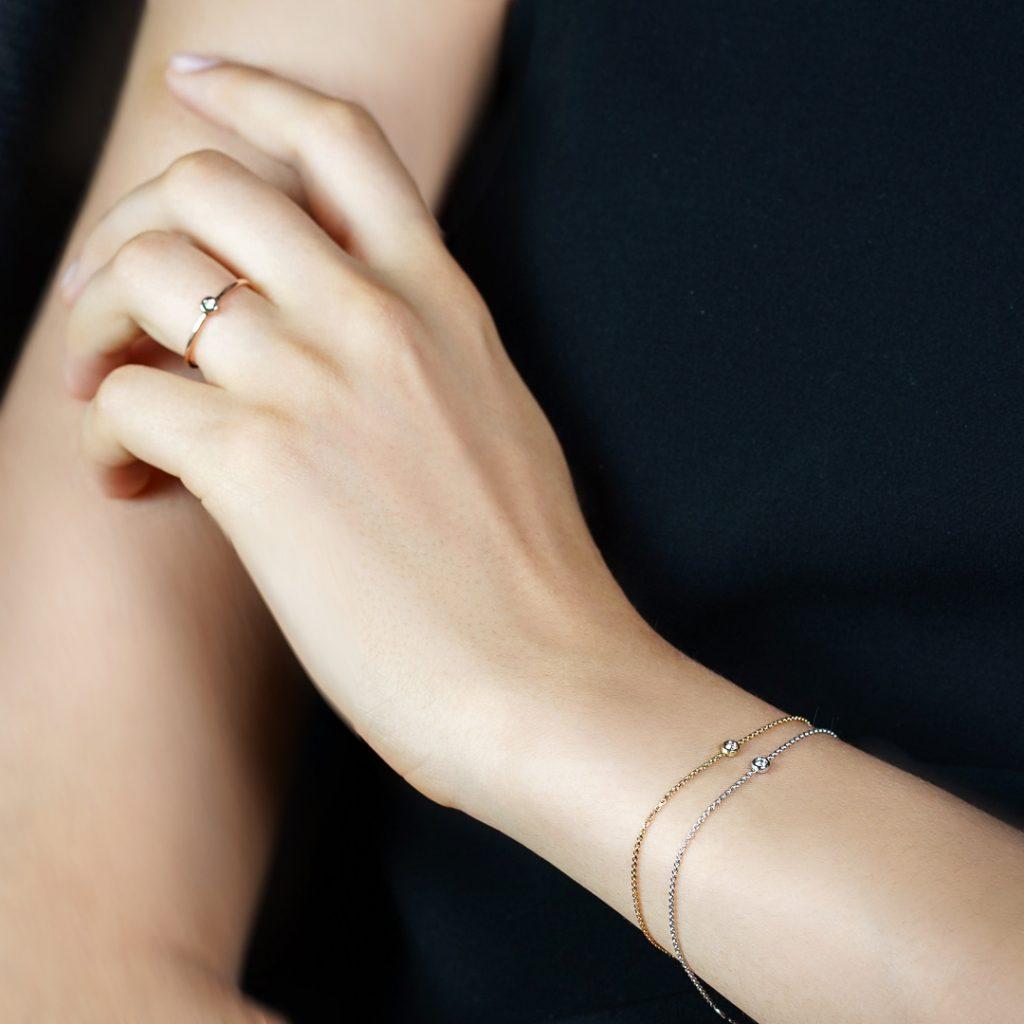 """Гривна """"Paris"""" от 18к злато с черен диамант 1"""